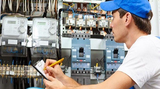 Lee más sobre el artículo Curso de Electricidad: Los Novedosos del Internet