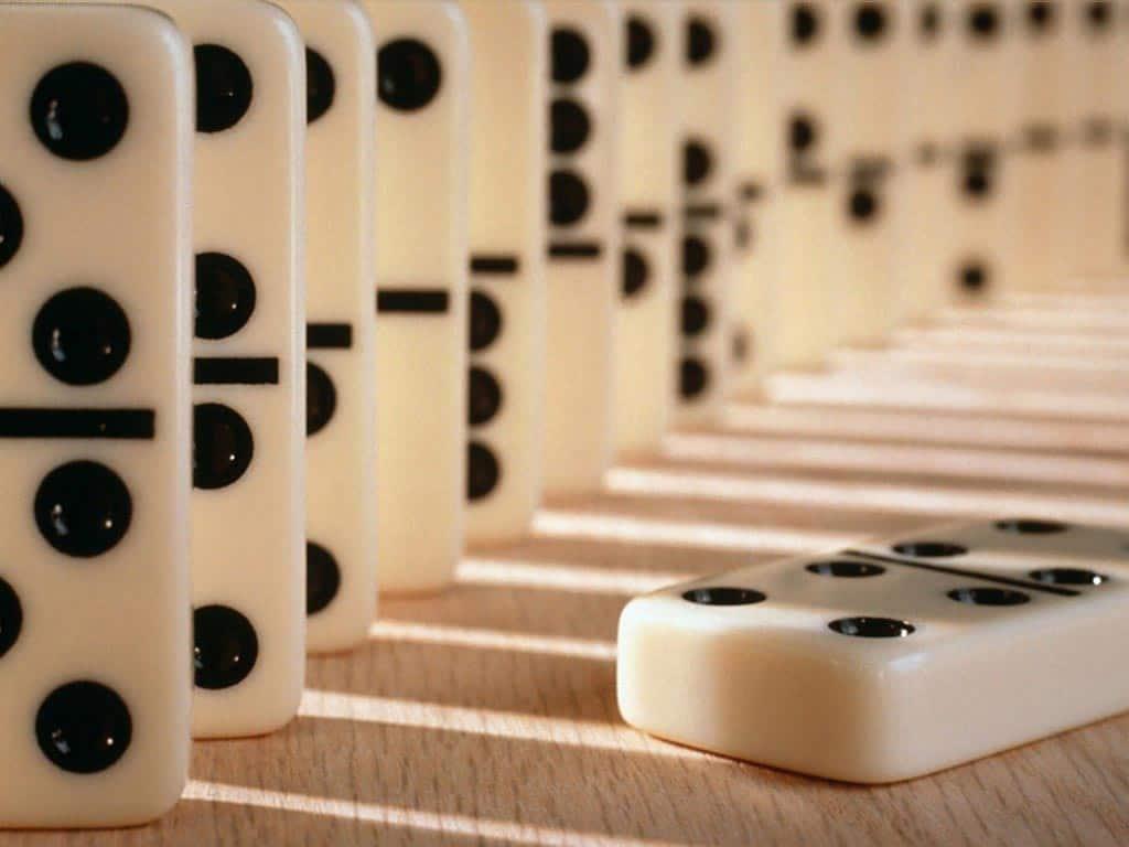 Lee más sobre el artículo Curso online de dominó: Domina la técnica y estrategia